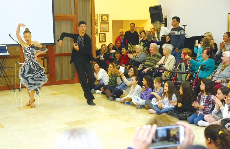 מופע הריקוד בחדרה. צילום: רפי נחוסי