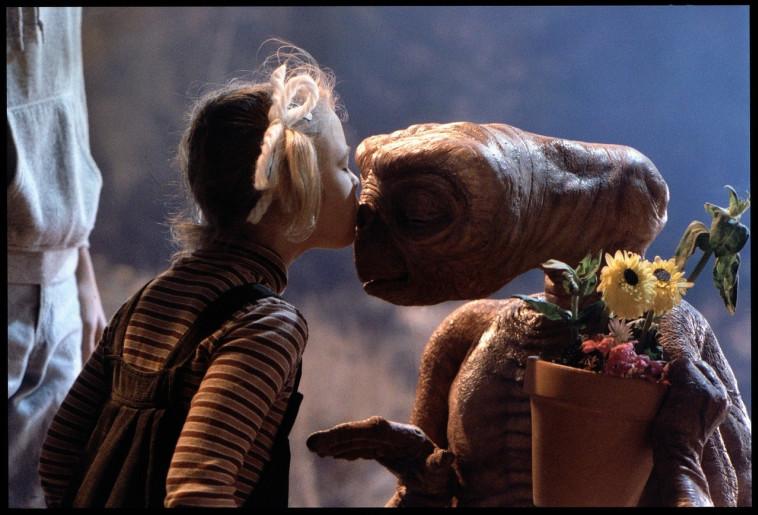הסרט האהוב ביותר. דרו ברימור ואי. טי. צילום: IMDB