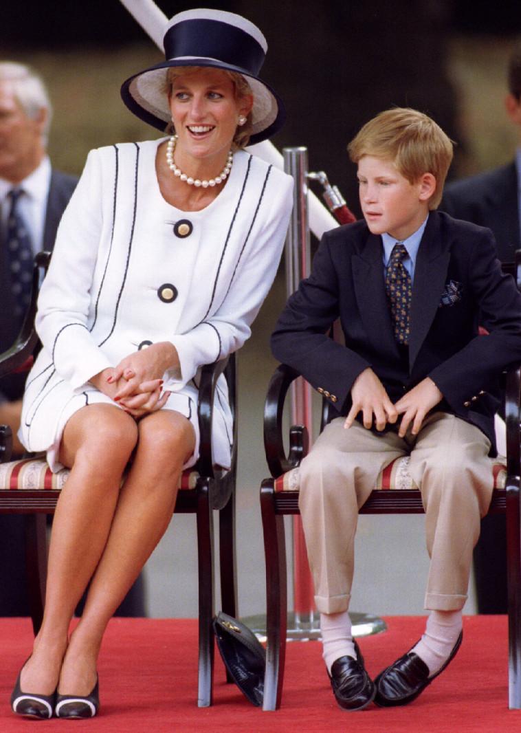 הנסיך הארי ואימו הנסיכה דיאנה, מספר ימים לפני מותה