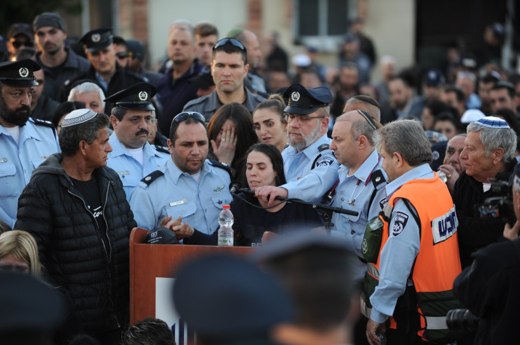 קלרה לוי, אשתו של ארז שנרצח בפיגוע. צילום: אבשלום ששוני