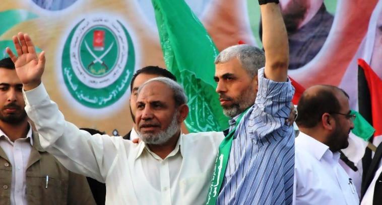 שר הביטחון של חמאס. סנוואר ומחמוד א-זהאר. צילום: א-ריסאלה