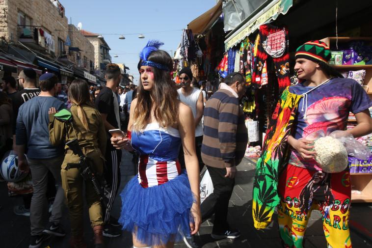 סופר גיבורים בירושלים. צילום: מרק ישראל סלם