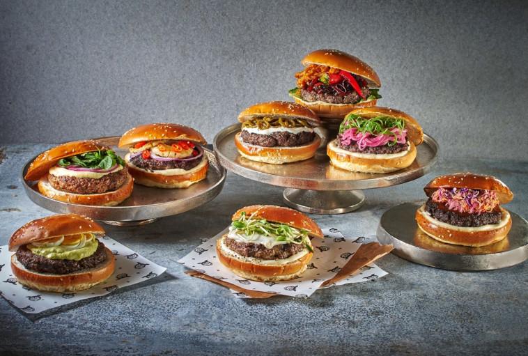 המבורגרים חובקי עולם במוזס. צילום: אנטולי מיכאלו