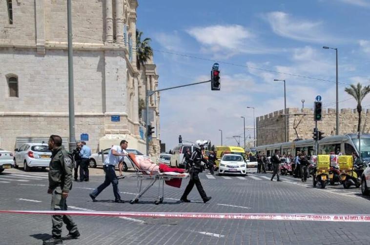 """זירת הפיגוע בבירה. צילום: תיעוד מבצעי מד""""א"""