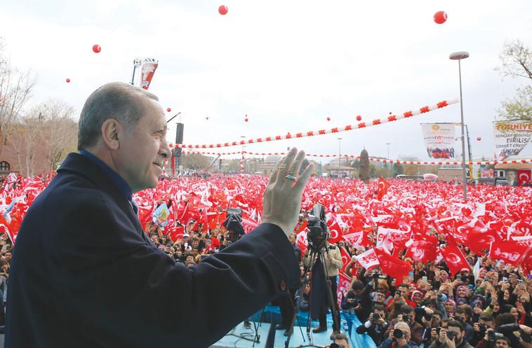 ארדואן. משתיק כל מי שיוצא נגדו. צילום: AFP