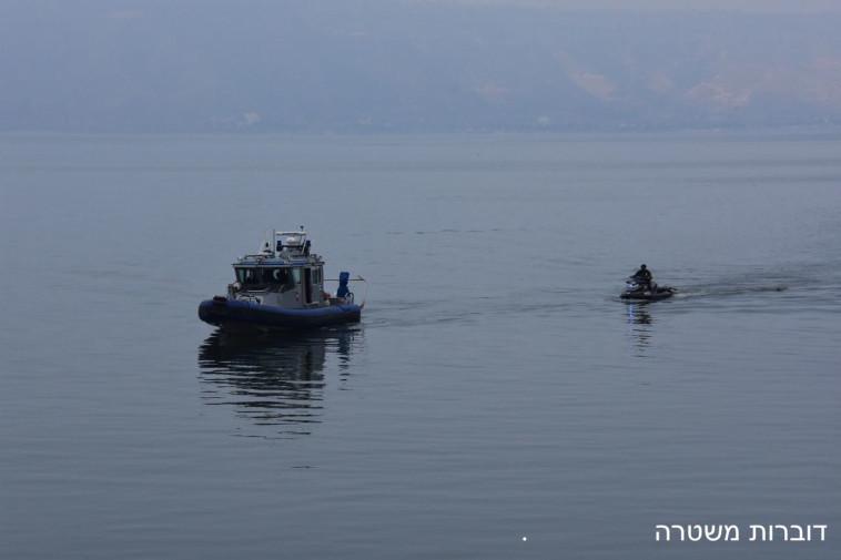 החיפושים אחרי שלושת הנעדרים. צילום: דוברות המשטרה