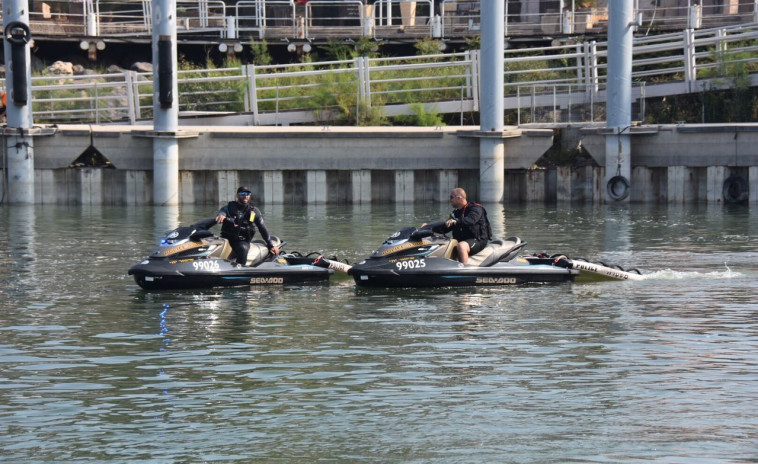 יחידת אופנועי הים של המשטרה בעת החיפושים בכנרת. צילום: דוברות המשטרה