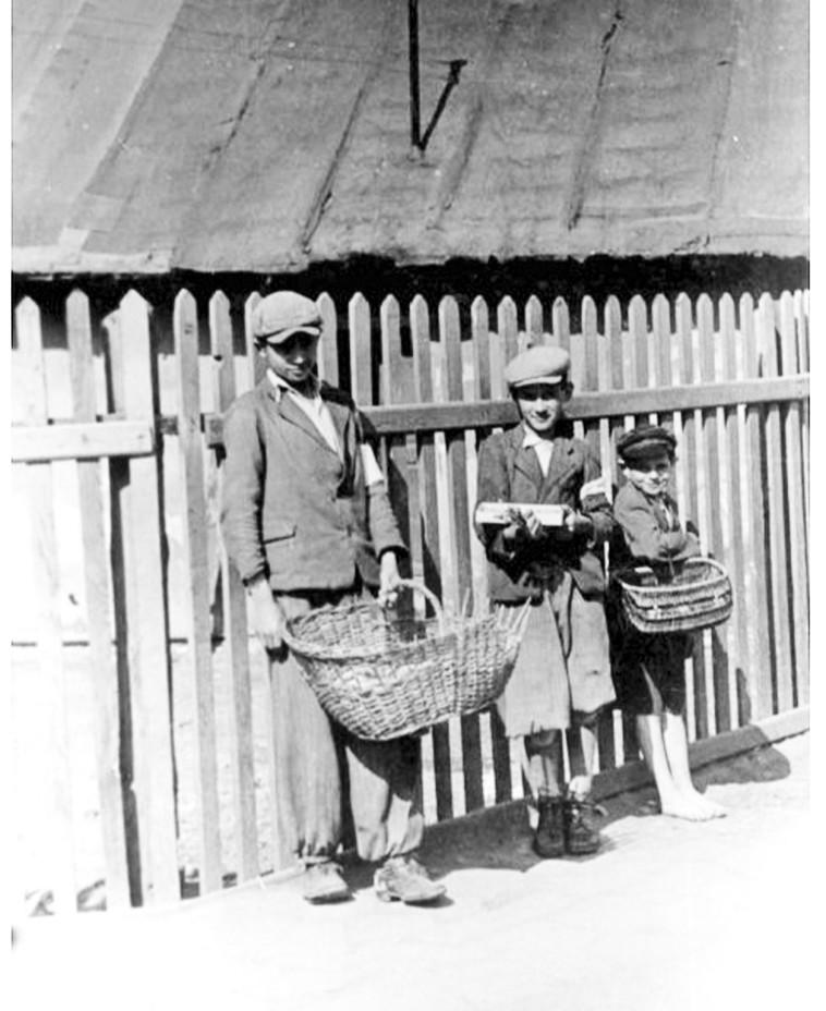 ילדים בגטו בנדין. הנאצים ריכזו בו כ-20 אלף יהודים. צילום: ארכיון יד ושם