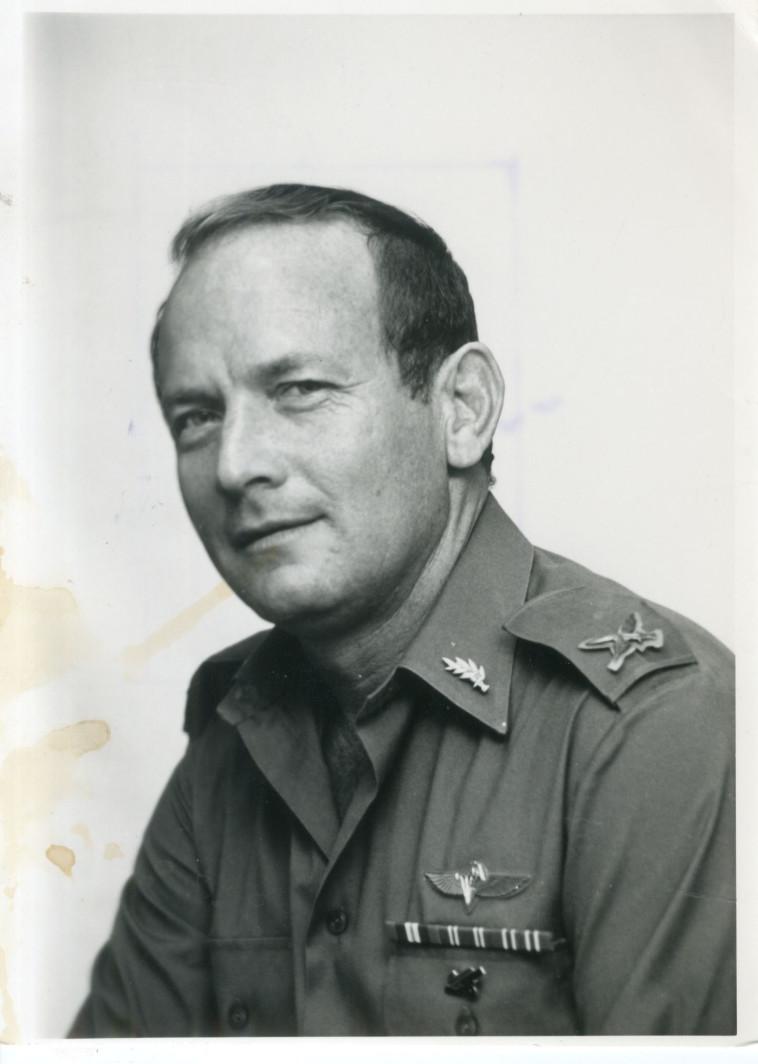 """עודד טירה במהלך שירותו הצבאי, צילום: הרצל בן שארי, דובר צה""""ל"""