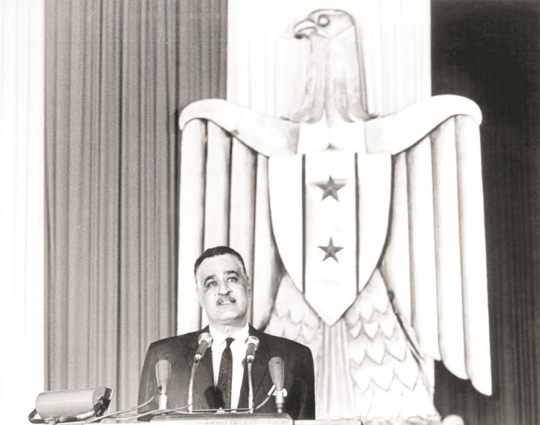 מנהיג וחם. נאצר, צילום: AFP