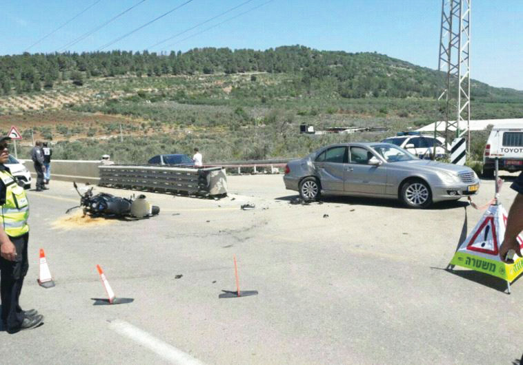 תאונה ליד דיר חנא. צילום: דוברות המשטרה