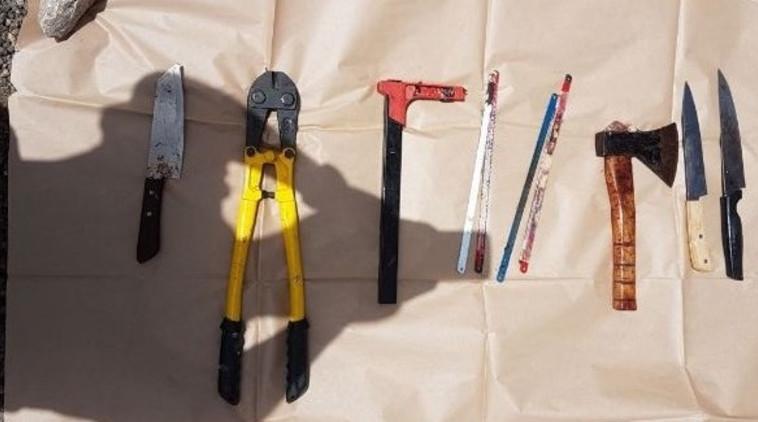 הכלים ששימשו לביתור הגופה. צילום: דוברות המשטרה