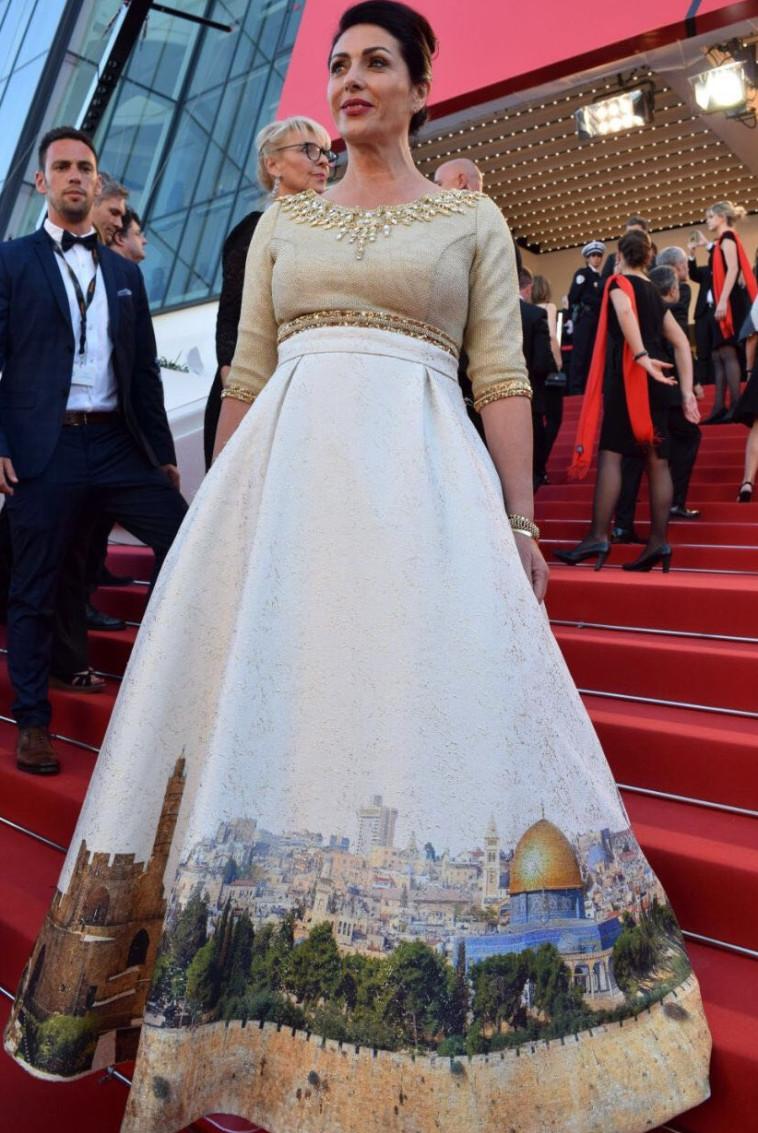 השמלה של מירי רגב באירוע בקאן. צילום: אלי סבתי