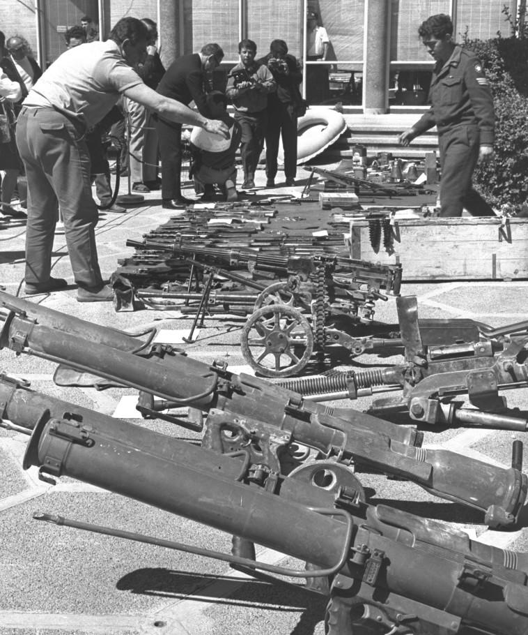 """נשק שנתפס על-ידי צה""""ל בפעולת כראמה. צילום: עיתון 'במחנה'"""