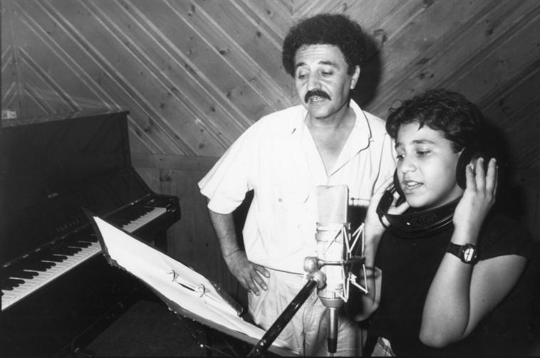 שייקה פייקוב עם גילי נתנאל ב-1989. צילום: נאור רהב