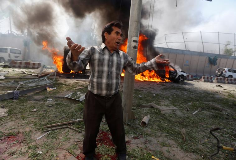 זירת הפיגוע בקאבול. צילום: רויטרס