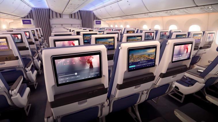 מסכי הטלוויזיה האישיים במטוס החדש. צילום: PriestmanGood