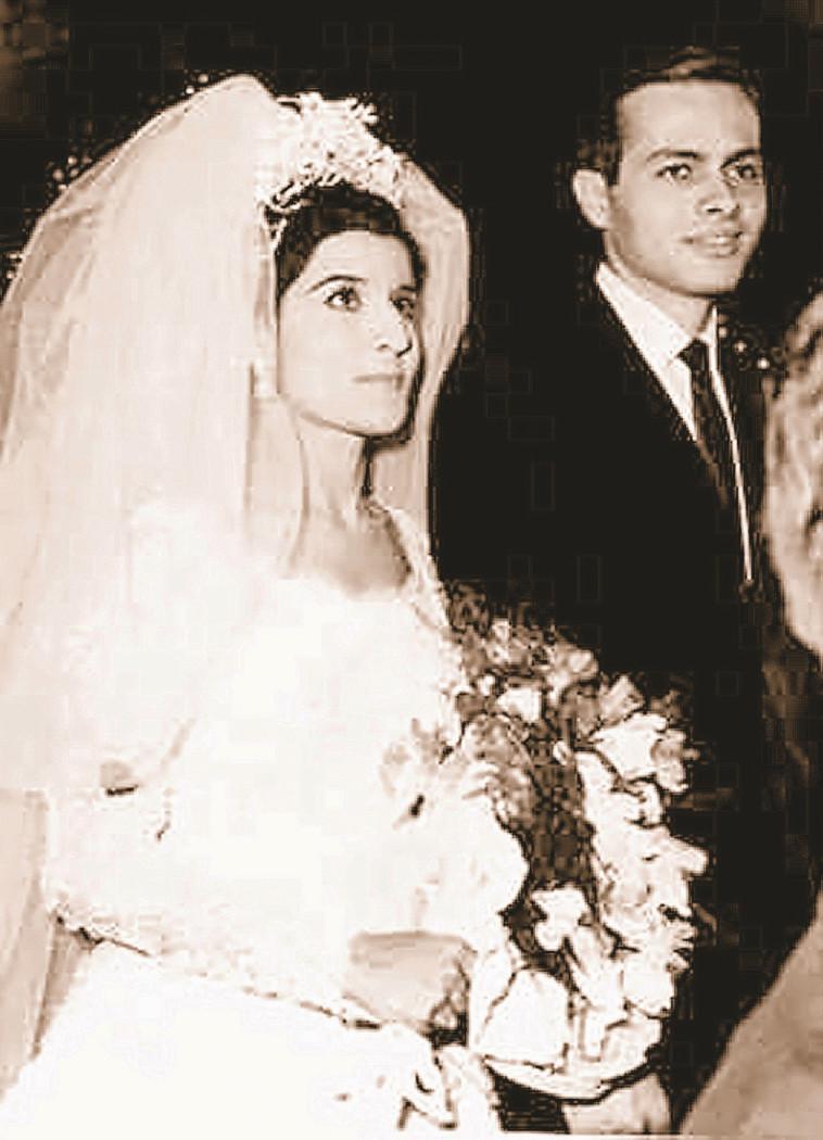 מרואן ואשתו ביום החתונה, צילום: AFP