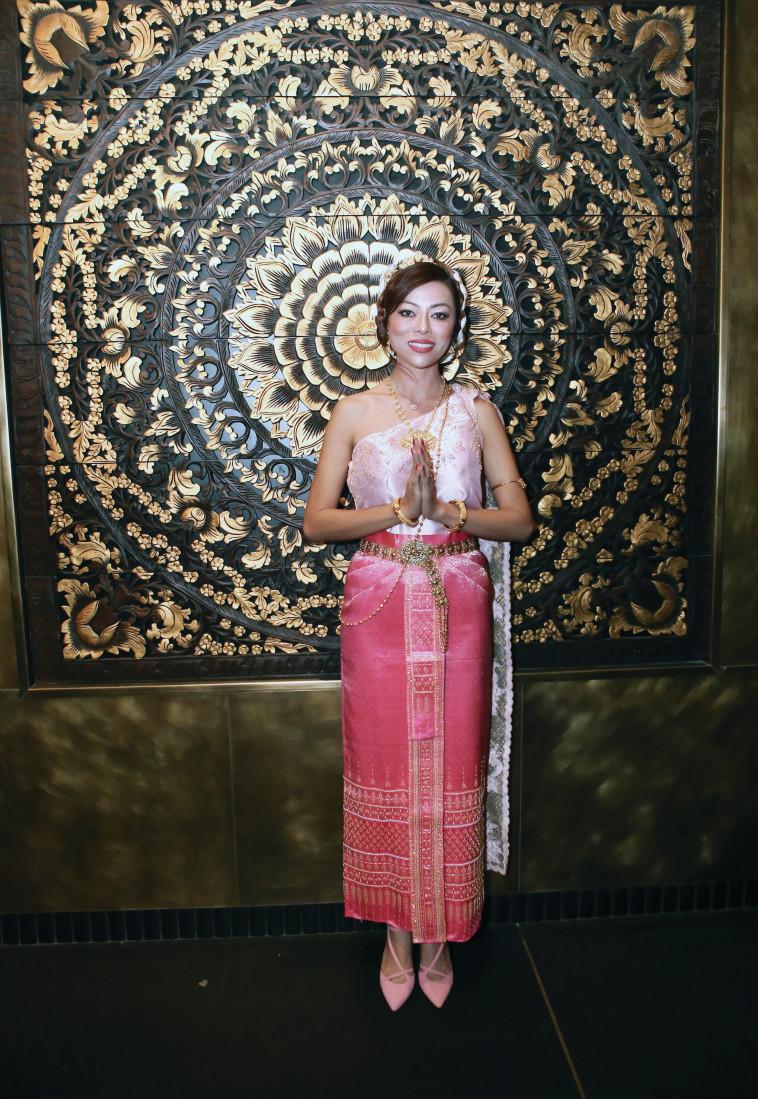 """הורוביץ במסעדת """"ניטן תאי"""" בת""""א. עוצבה ברוח ארמון תאילנדי. צילום: שרון רביבו"""