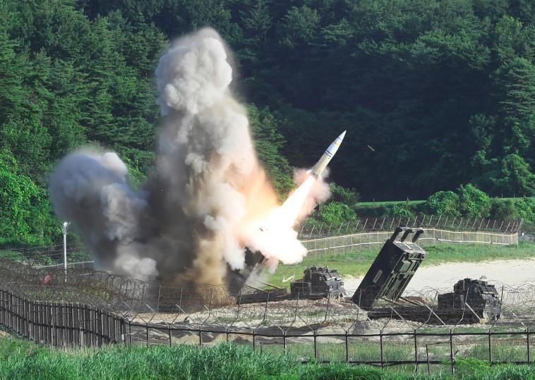 """תמרון משותף בין צבאות ארה""""ב וקוריאה הדרומית מאיים על פסגת קים טראמפ. צילום: AFP"""