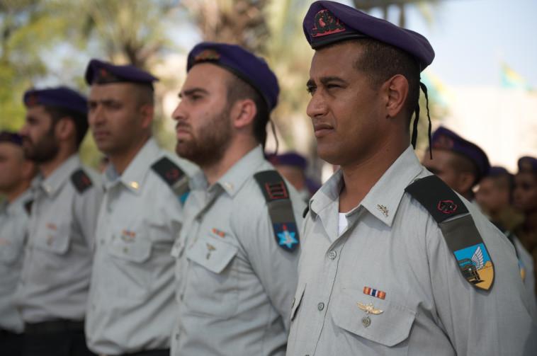 """חיילי הגדס""""ר הבדואי בטקס צמצום הגדוד. צילום: דובר צה""""ל"""