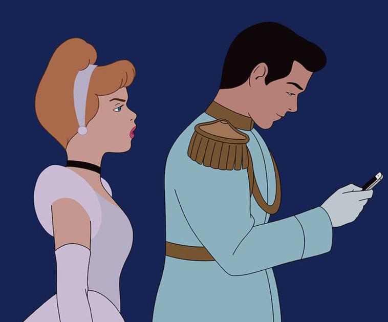 סינדרלה והנסיך שלה לא חיים באושר ועושר בשל עול הסמרטפונים. אינסטגרם