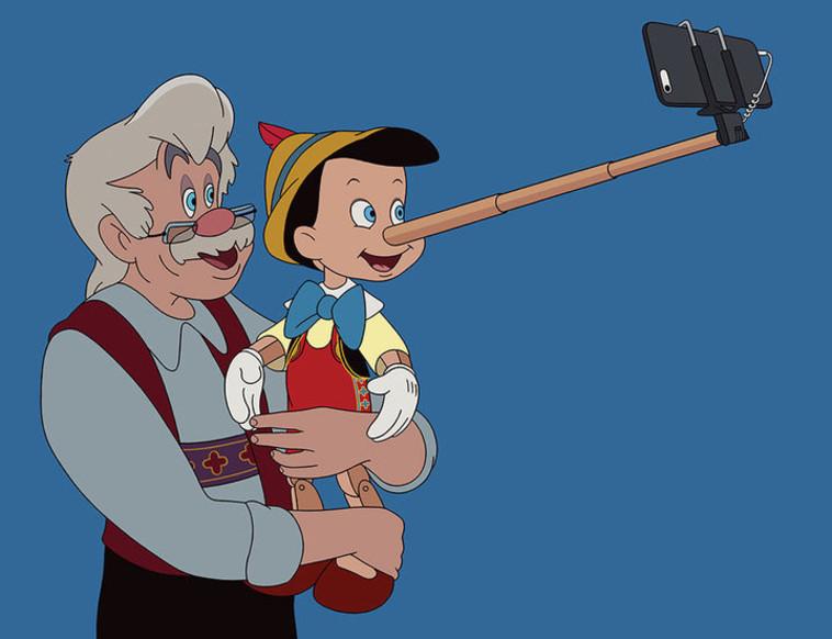 פינוקיו מצא שימוש לאף הארוך שלו בתור מקל סלפי. אינסטגרם