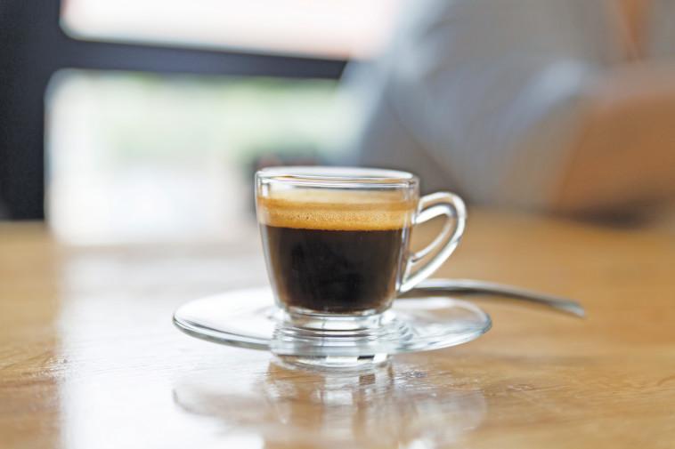 קפה שחור (צילום: אינג אימג')