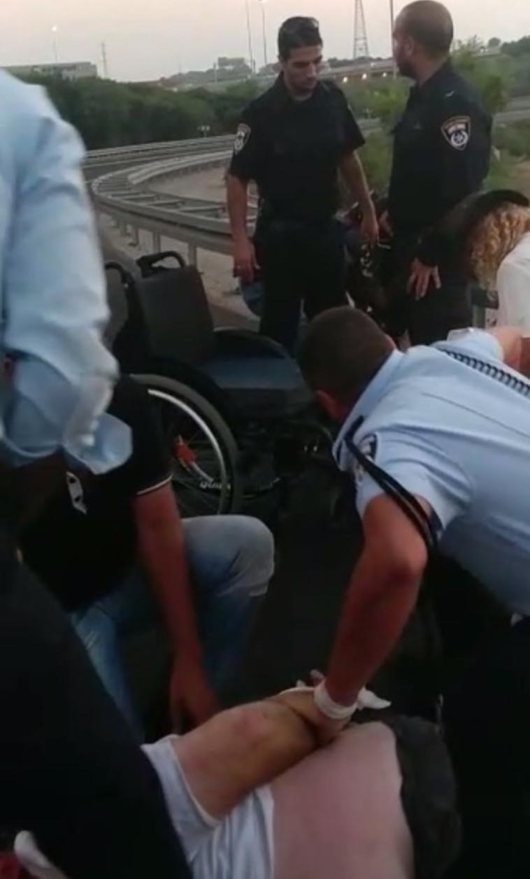האלימות במחאה. צילום: מטה מאבק הנכים