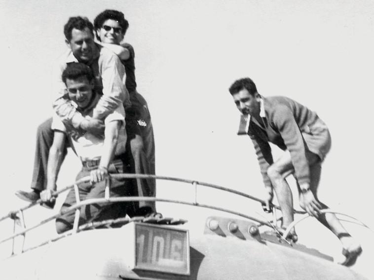 אלי כהן עם משפחתו (צילום: רפרודוקציה,יוסי אלוני)