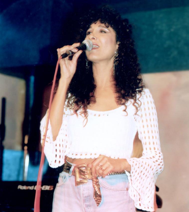 אביבה אבידן בתחילת שנות ה־90. צילום: אמיר מאירי