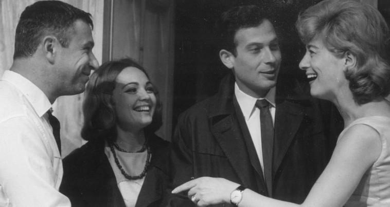 """אלכס פלג (שני מימין) ב""""מי מפחד מווירג'יניה וולף?"""", 1964. צילום:  ירון מירלין"""
