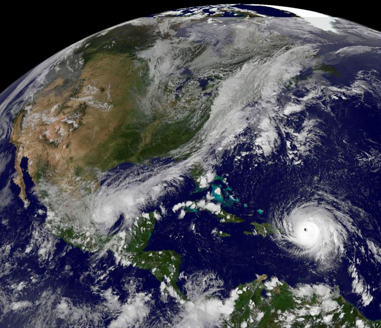 סופה בגודל של האיים הבריטים. הוריקן אירמה מהחלל, צילום: רויטרס