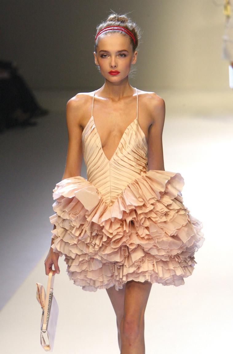 דוגמנית שדופה. בתי האופנה הגדולים רוצים לשפר את תדמית הענף. צילום: רויטרס