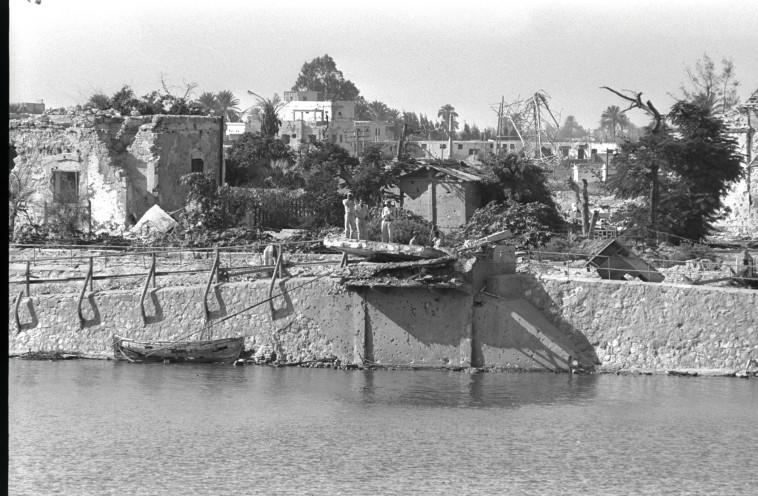 """הצד המצרי של תעלת סואץ. צילום: משה מילנר, לע""""מ"""