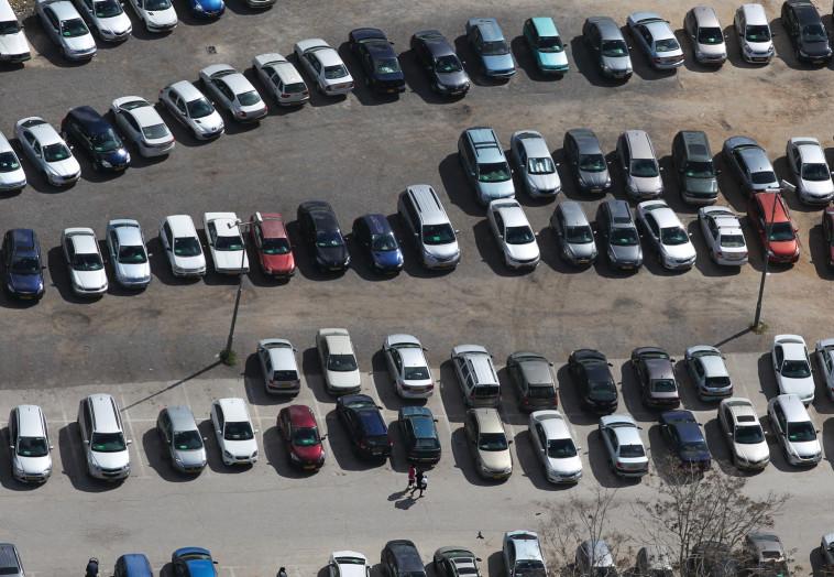 מצוקת החניה בתל אביב (צילום: נתי שוחט, פלאש 90)