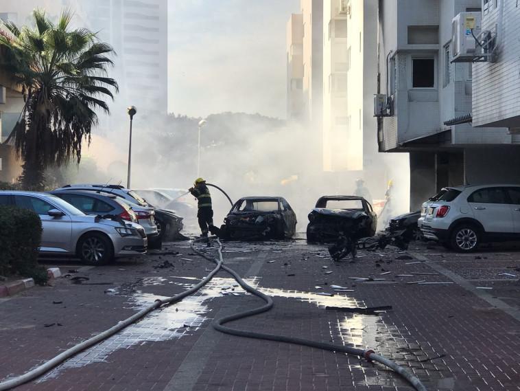 זירת פיצוץ הרכב באשדוד. צילום: דוברות המשטרה