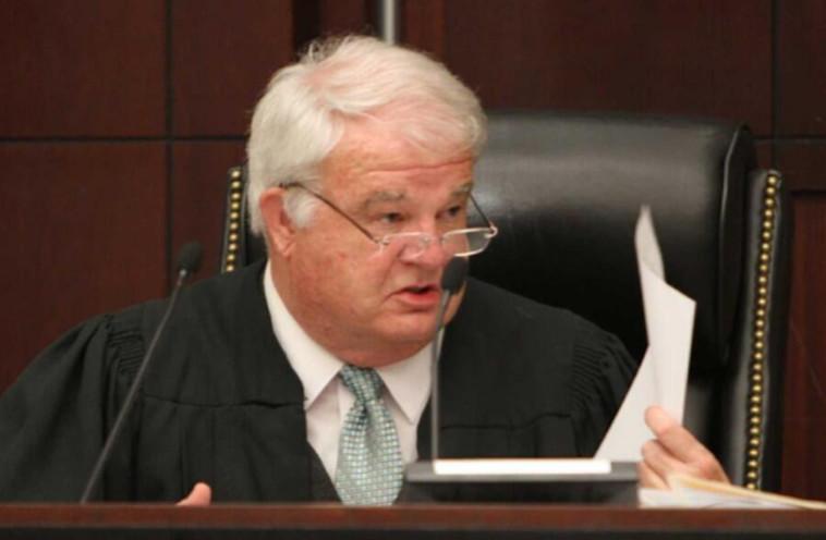 השופט המנומנם ג'פרי או'קונור. צילום: טוויטר
