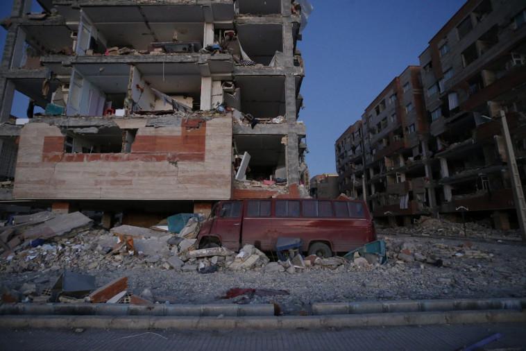 נזקי רעידת האדמה בגבול איראן-עיראק, צילום: רויטרס