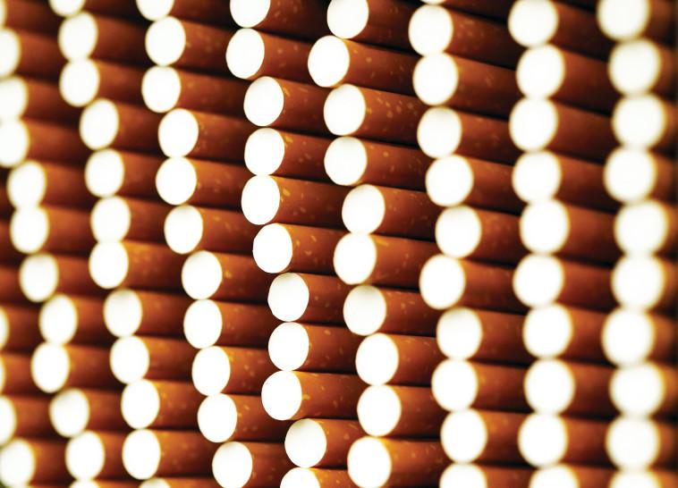 החיים עצמם. סיגריות, צילום: רויטרס