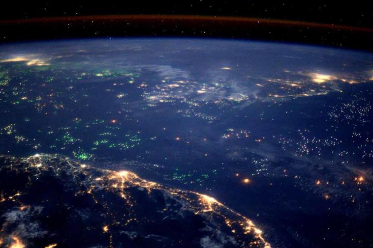 """""""מה עשינו לכדור הארץ"""", 12.12 , הוט 8. צלם : hot 8"""