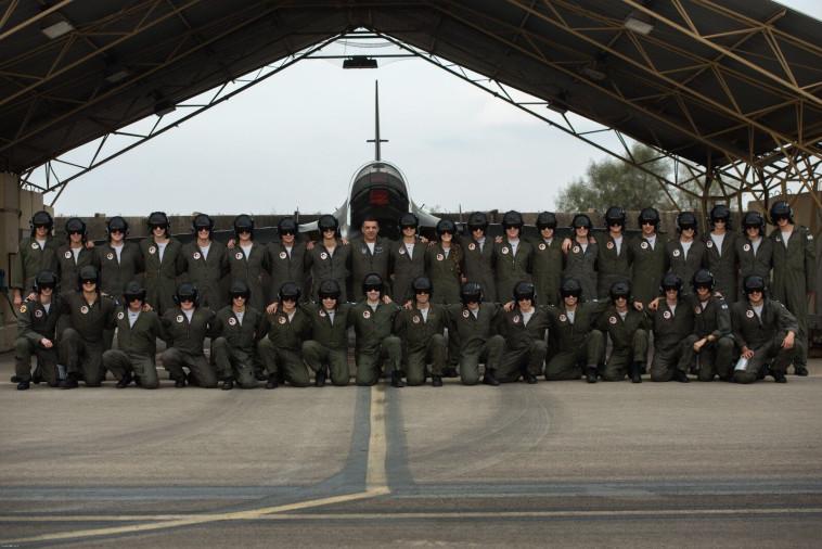 """מי כאן מפקד החיל העתידי? מסיימי קורס טיס מחזור 175, צילום: דובר צה""""ל"""