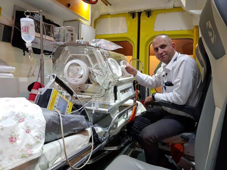 הובהל לניתוח חירום בהטסה אווירית. התינוק הסורי, צילום: חברת גשר אווירי