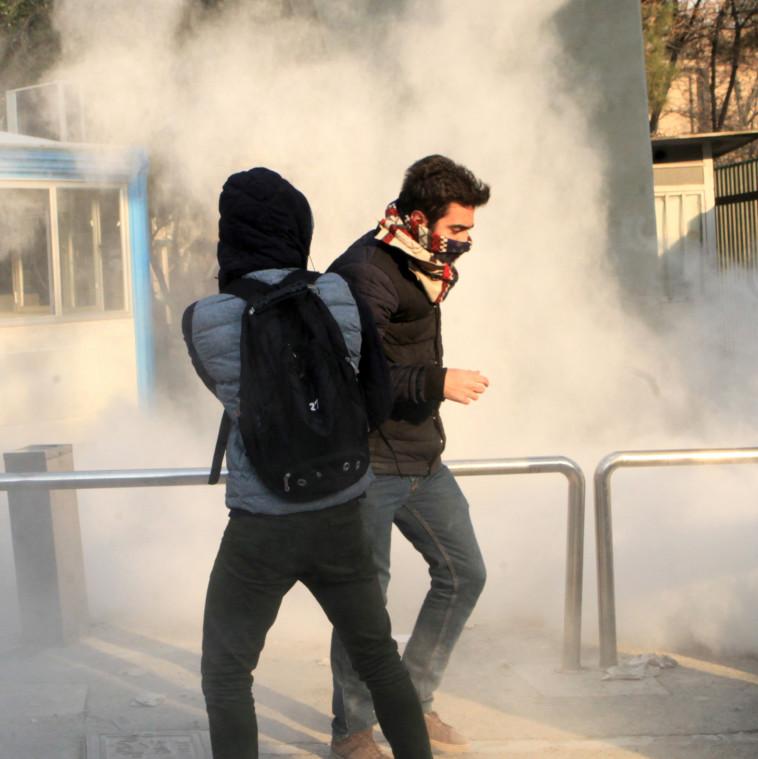 מאשימים גם את רוחאני וגם את חמינאי. צילום: AFP