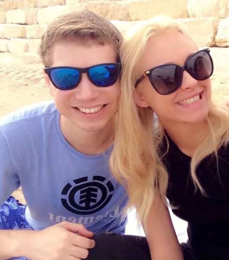 האם שרה ואבנר נתנהיו עושים חיים על חשבון המדינה ביוון  לכאורה ? 471469