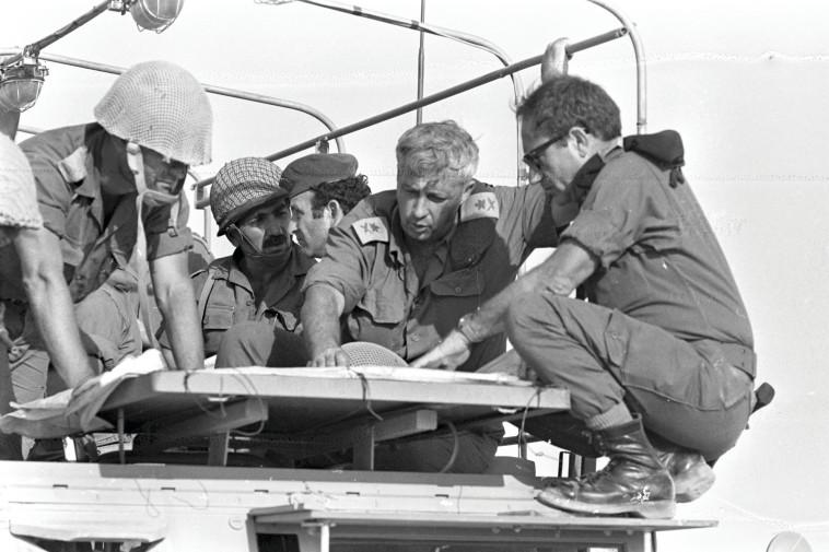 אריאל שרון עם גורודיש (צילום: ארד שלמה, לע''מ)