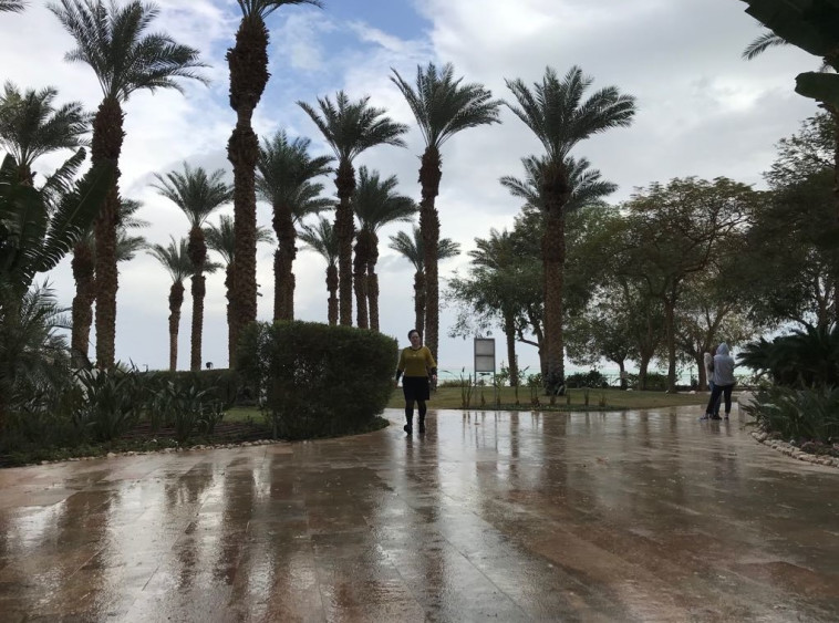 גשם בים המלח. צילום: אבשלום ששוני