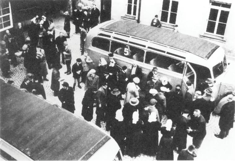 פינוי של נשים וחולי נפש גרמניים בבווארייה. צילום: ויקיפדיה