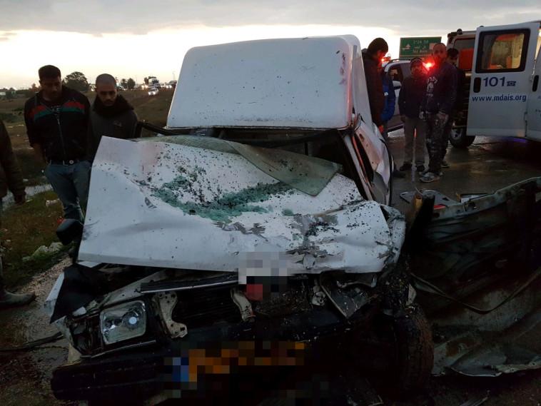 """התאונה הקטלנית בנגב. צילום: תיעוד מבצעי מד""""א"""