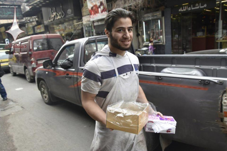 """סורים חוגגים היום את הפלת המטוס של צה""""ל. צילום: רשתות חברתיות"""